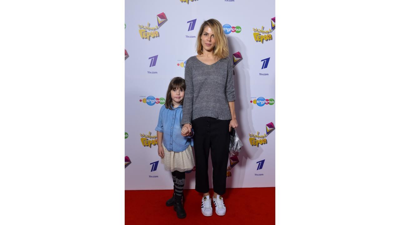 Маруся Зыкова с дочкой