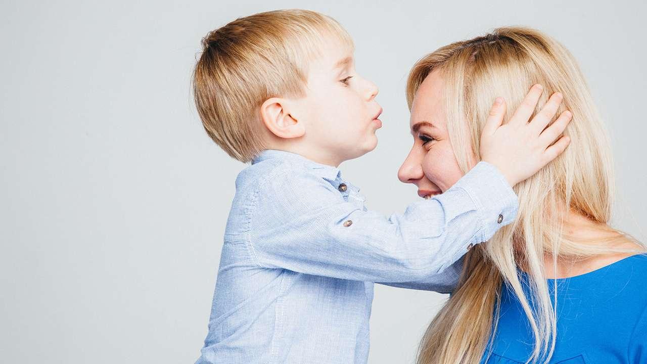 Маленький Клим с мамой