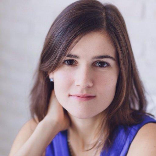 Алина Шур, магистр психологии, семейный системный психотерапевт, сертифицированный Обществом семейных консультантов и психотерапевтов