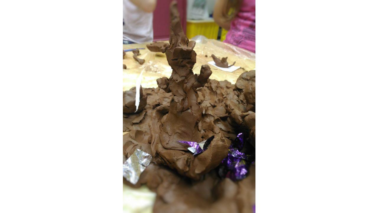 Глиняные фигурки, которые Екатерина делает с детьми
