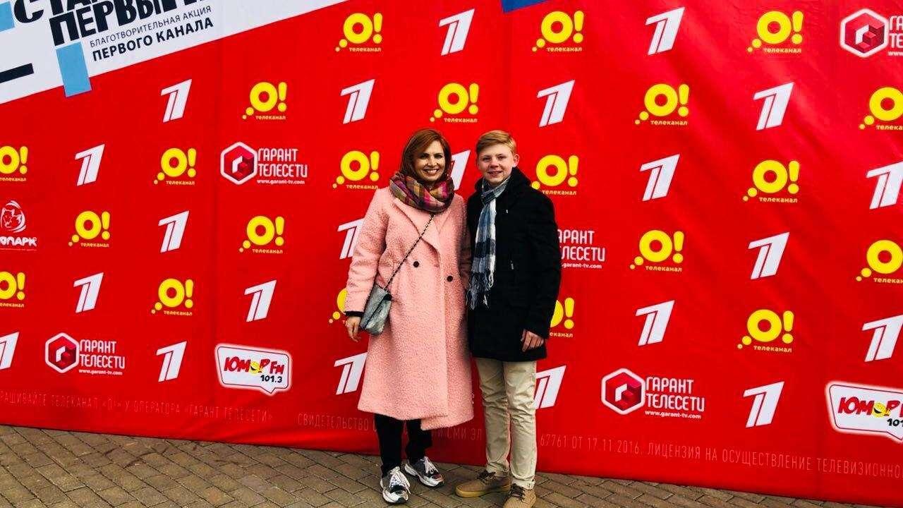 Главный редактор телеканала «О!» Анна Шнайдер и ведущий телеканала «О!» Саша Новиков