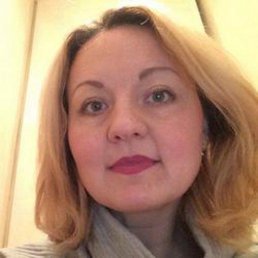 Елена Дейнего, педагог-психолог, мама троих детей, ведущая группы поддержки для мам «Точка опоры», основатель психологического центра «Запасной рай»