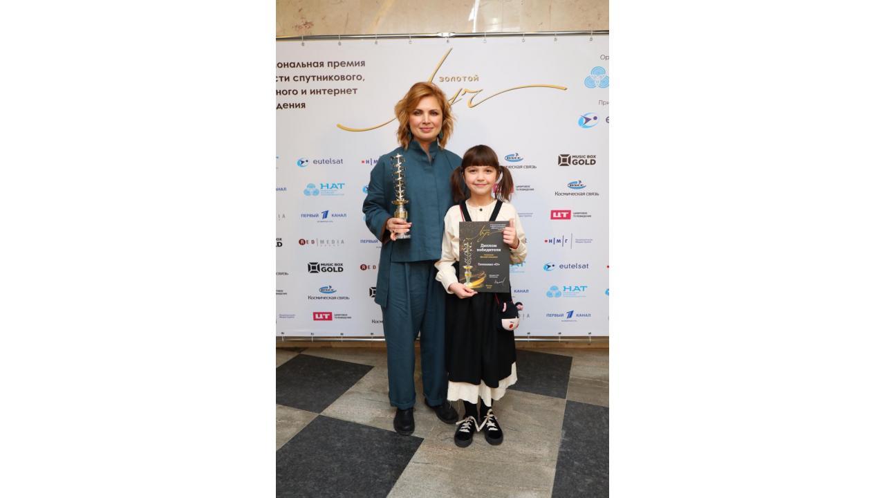 Анна Шнайдер, главный редактор канала «О!», и Николь Плиева, программа «Доктор Малышкина»
