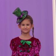 Аня Загарина, 6 лет